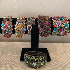 "Lot of 6 colorful ""bling"" fashion bracelets"